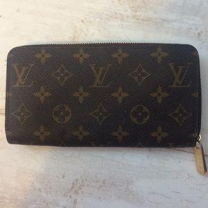 9e2fd049a653 Louis Vuitton Bags - Louis Vuitton Zippy Wallet M41895